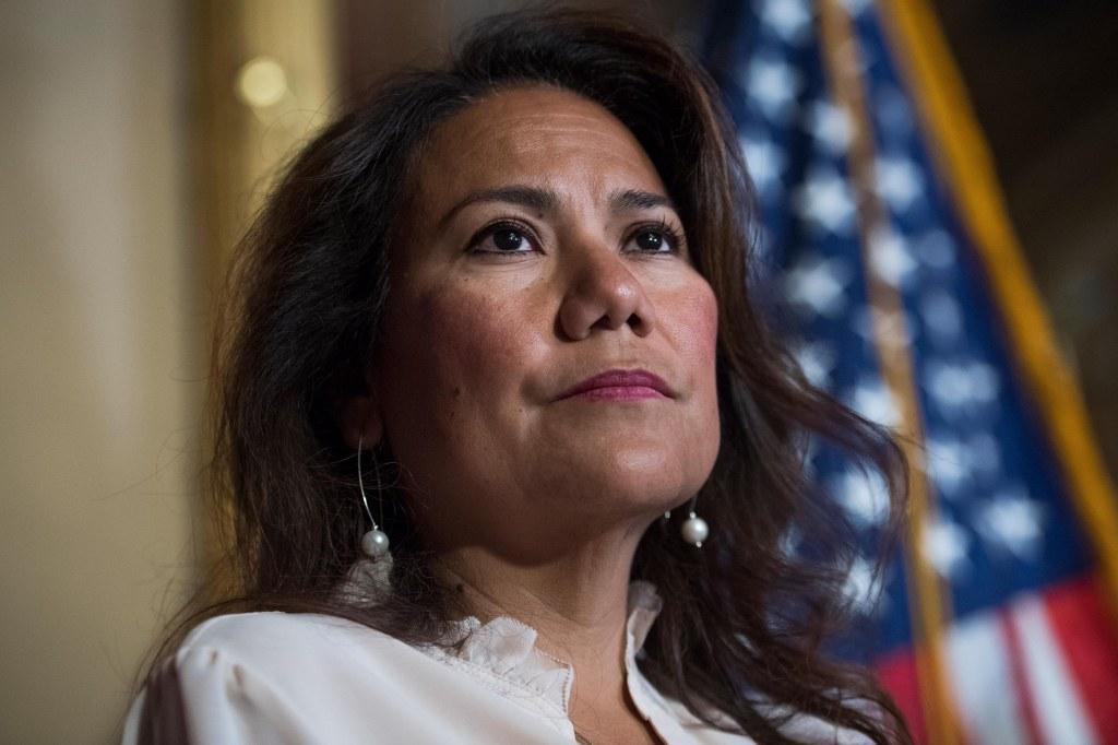 Verónica Escobar responderá al discurso de Trump ante Congreso