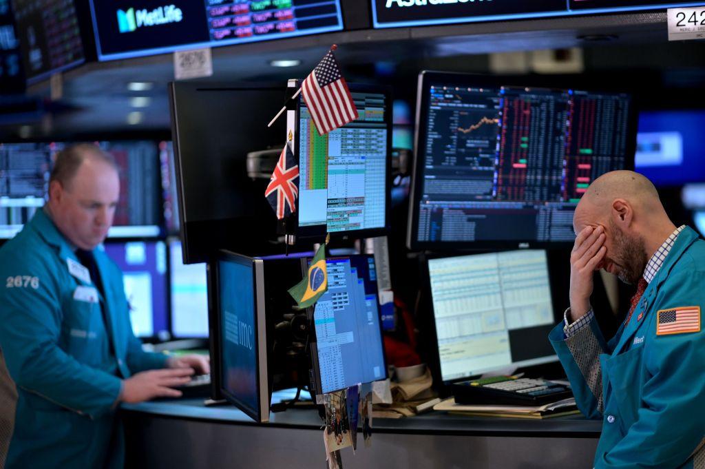 Wall Street se derrumba ante el temor del coronavirus