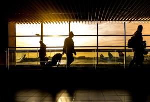EE.UU. incluye a Reino Unido e Irlanda en prohibición de vuelos