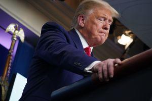 Coronavirus: ante sombrías predicciones de muertes, Trump extiende pautas