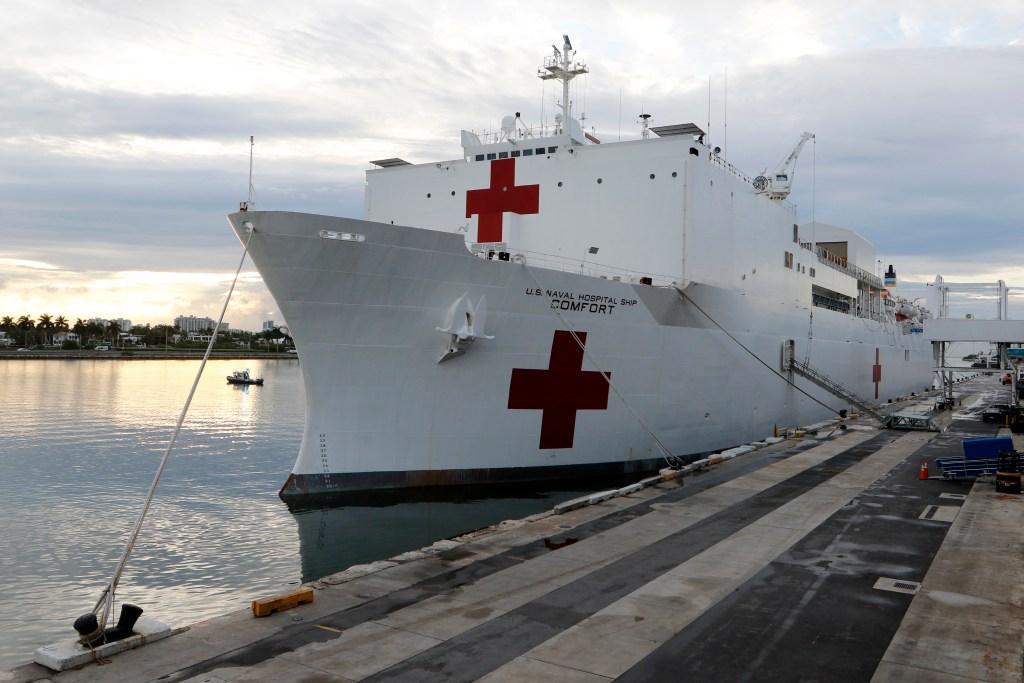 Buques hospitales de la Armada irán a NY y la costa oeste